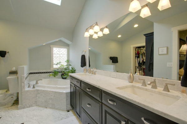 1344875696_Master-bathroom-with-marble-countertop-and-flooring