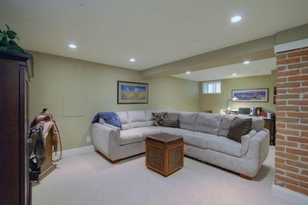 1344875733_Recreation-room-in-basement (1)