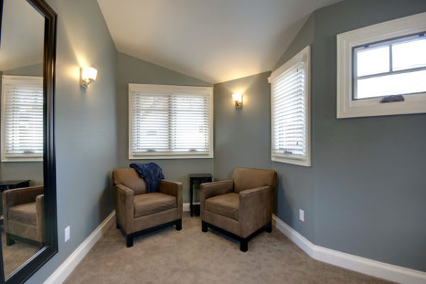1344886202_Master Sitting Area