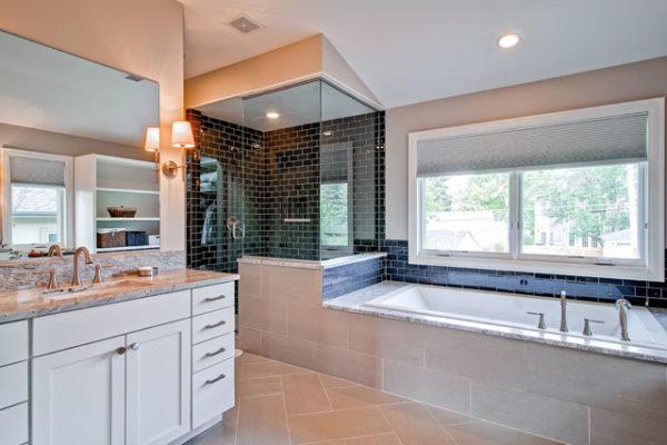 1345686896_19-2nd-Floor-Master-Bathroom