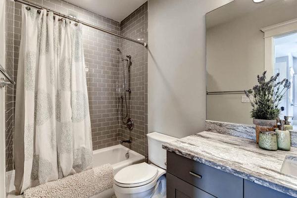 170-S-Hudson-St-Denver-CO-large-019-24-2nd-Floor-Bathroom-1500x1000-72dpi