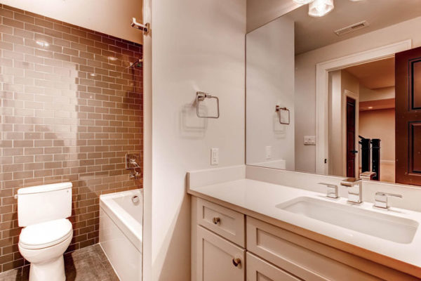 367-S-Race-St-Denver-CO-80210-large-025-Lower-Level-Bathroom-1500x1000-72dpi