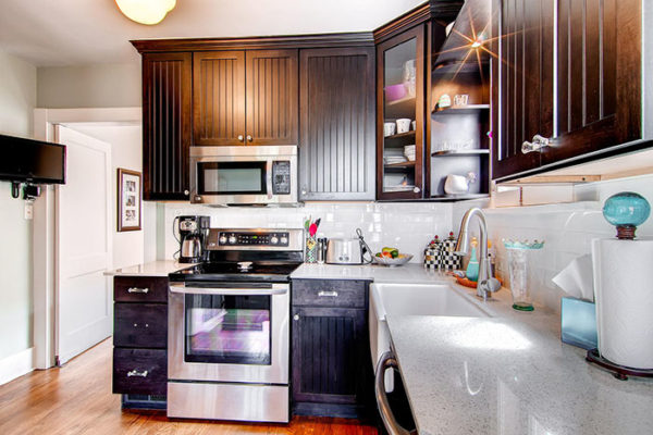 741-S-Sherman-Street-large-011-Kitchen-1500x1000-72dpi