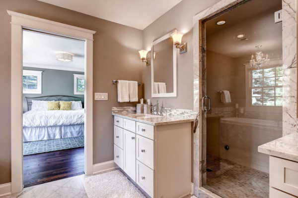 990-S-Monroe-Denver-CO-80209-large-018-Master-Bathroom-1500x999-72dpi (1)