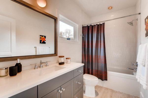 442 S Vine St Denver CO 80209-large-028-40-2nd Floor Bathroom-1500x1000-72dpi