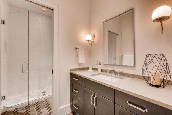 442 S Vine St Denver CO 80209-large-041-37-Lower Level Bathroom-1500x999-72dpi