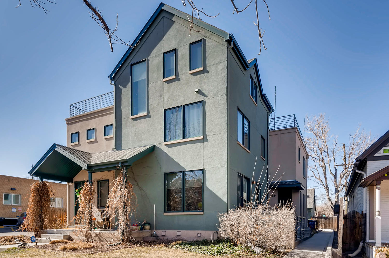 Just Listed in Uptown! 1619 Humboldt St