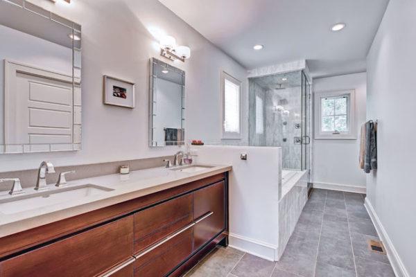 1344463487_Master-bathroom-with-radiant-floor-heating-1
