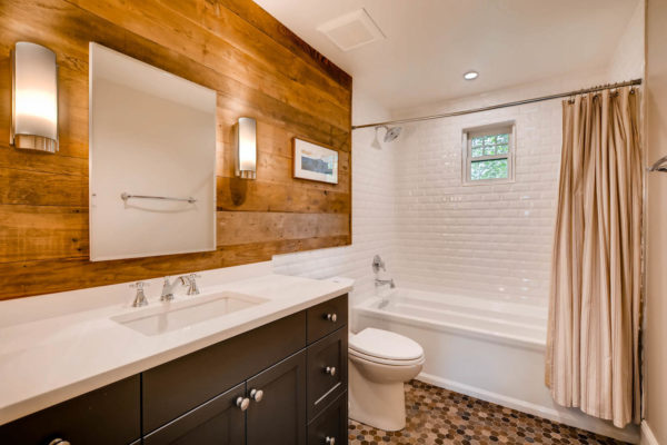 2217-S-Clayton-St-Denver-CO-large-019-27-2nd-Floor-Bathroom-1500x1000-72dpi