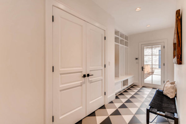 442-S-Vine-St-Denver-CO-80209-large-043-26-Mudroom-1500x1000-72dpi