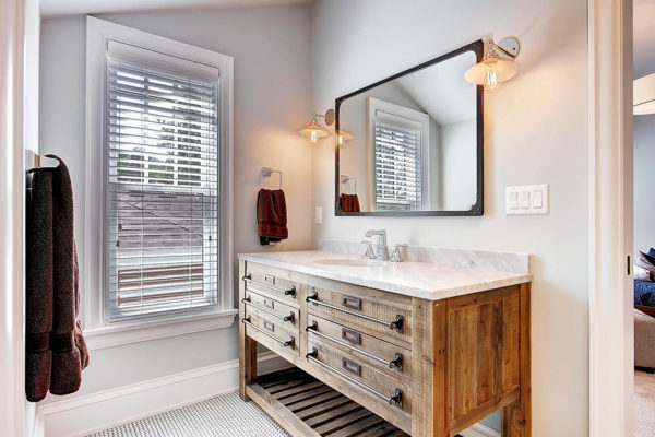 863-S-Williams-St-Denver-CO-large-022-18-2nd-Floor-Bathroom-1500x1000-72dpi